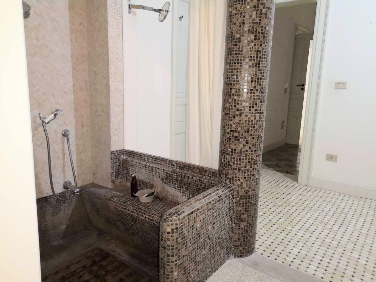 Abitare Bagno Trani ᐅ in vendita a 1.350.000 villa (zona residenziale) di 9